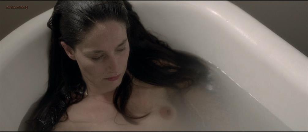 Marie Gillain nude - Landes (2013)