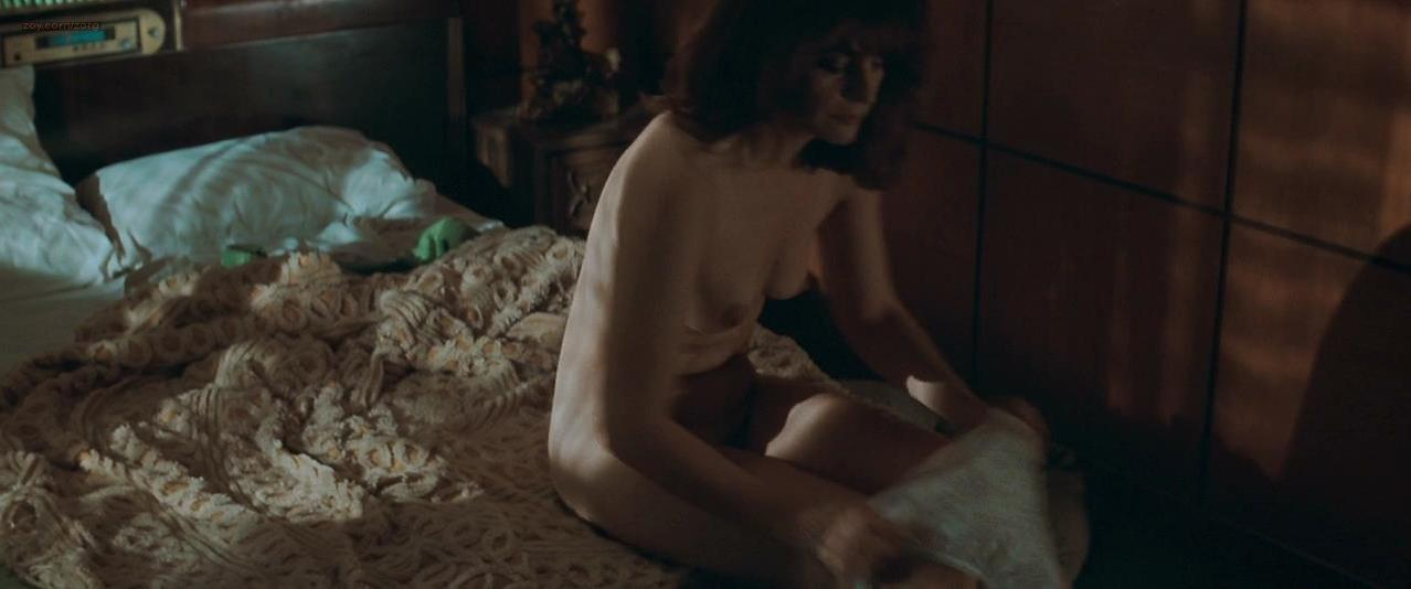 Alberta Watson nude - The Sweet Hereafter (1997)