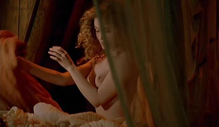 Emmanuelle Beart nude, Ornella Muti sexy - The Voyage of Captain Fracassa (1991)