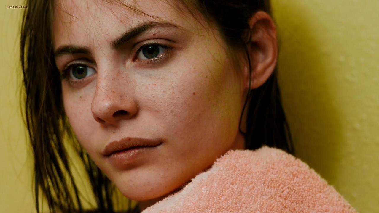 Willa Holland sexy - Tiger Eyes (2012)