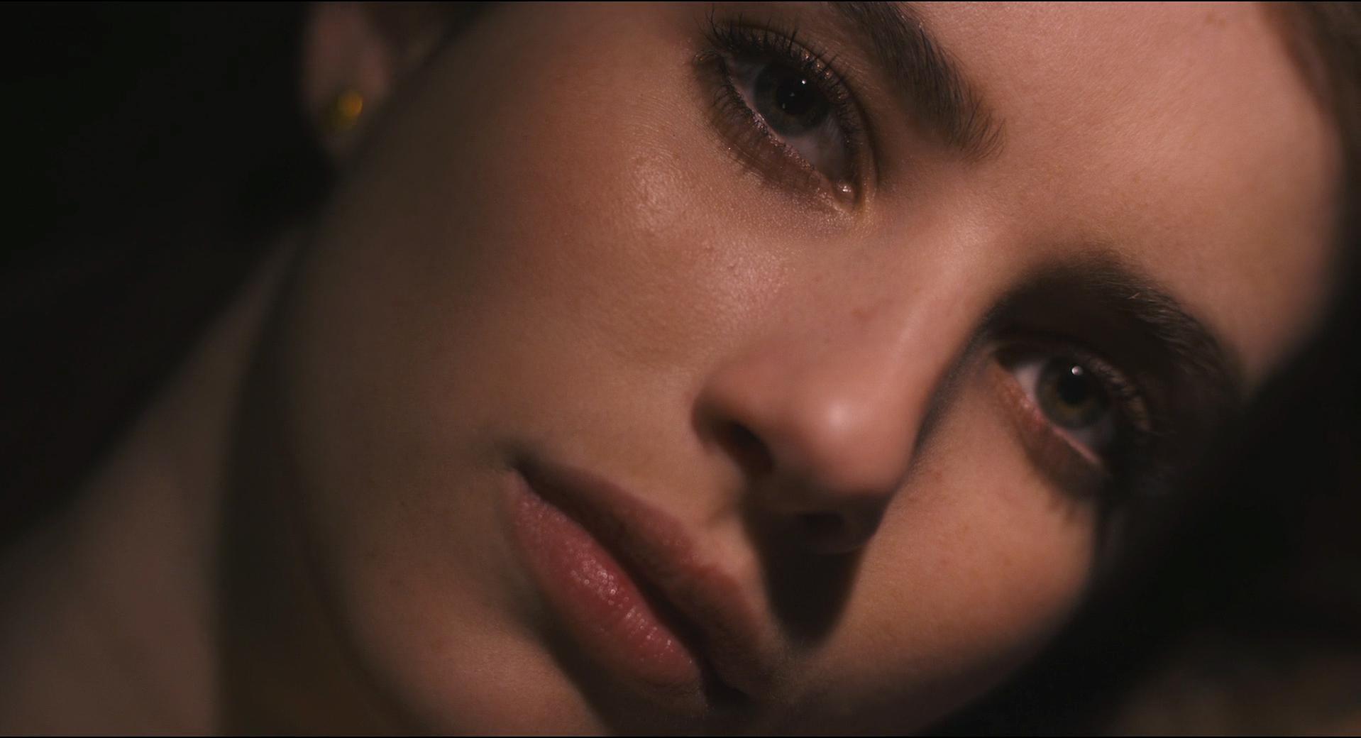 Emma Roberts sexy - Palo Alto (2014)