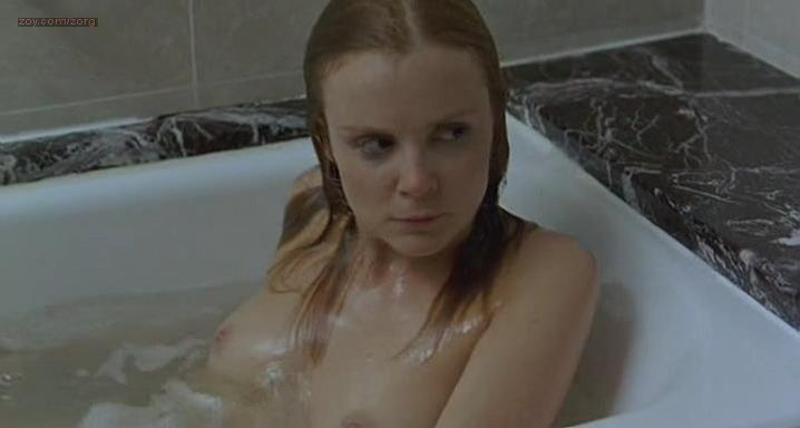 Isabelle Carre nude - Quatre etoiles (2006)
