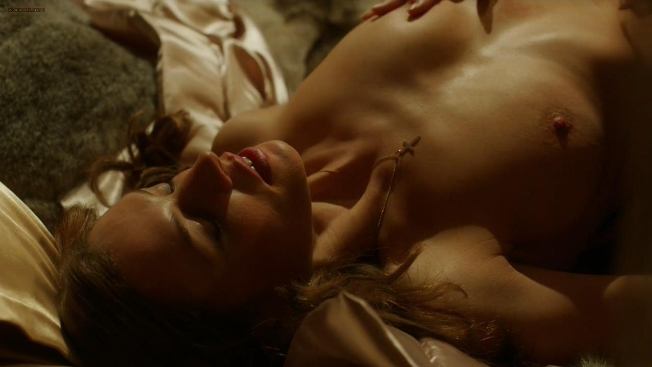 Catherine Walker nude, Alexis Peterman nude - Strike Back s04e05 (2013)