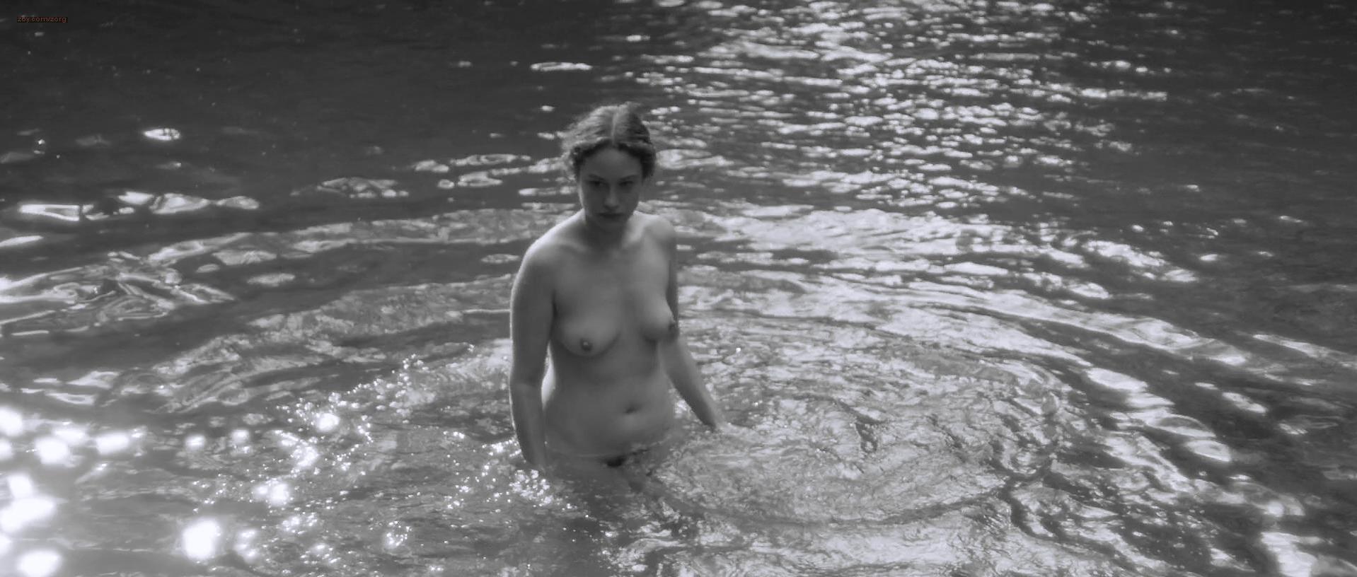Aida Folch Nude