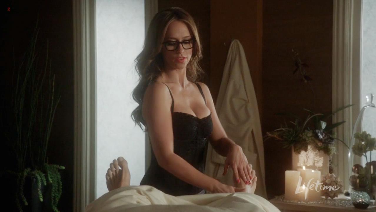 Jennifer Love Hewitt sexy - The Client List s01e03 (2012)