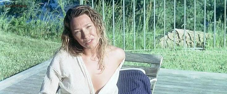 Laura Smet nude - UV (2006)