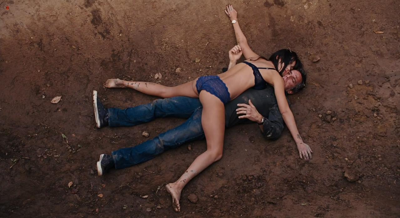 Jessica Alba sexy - Little Fockers (2010)