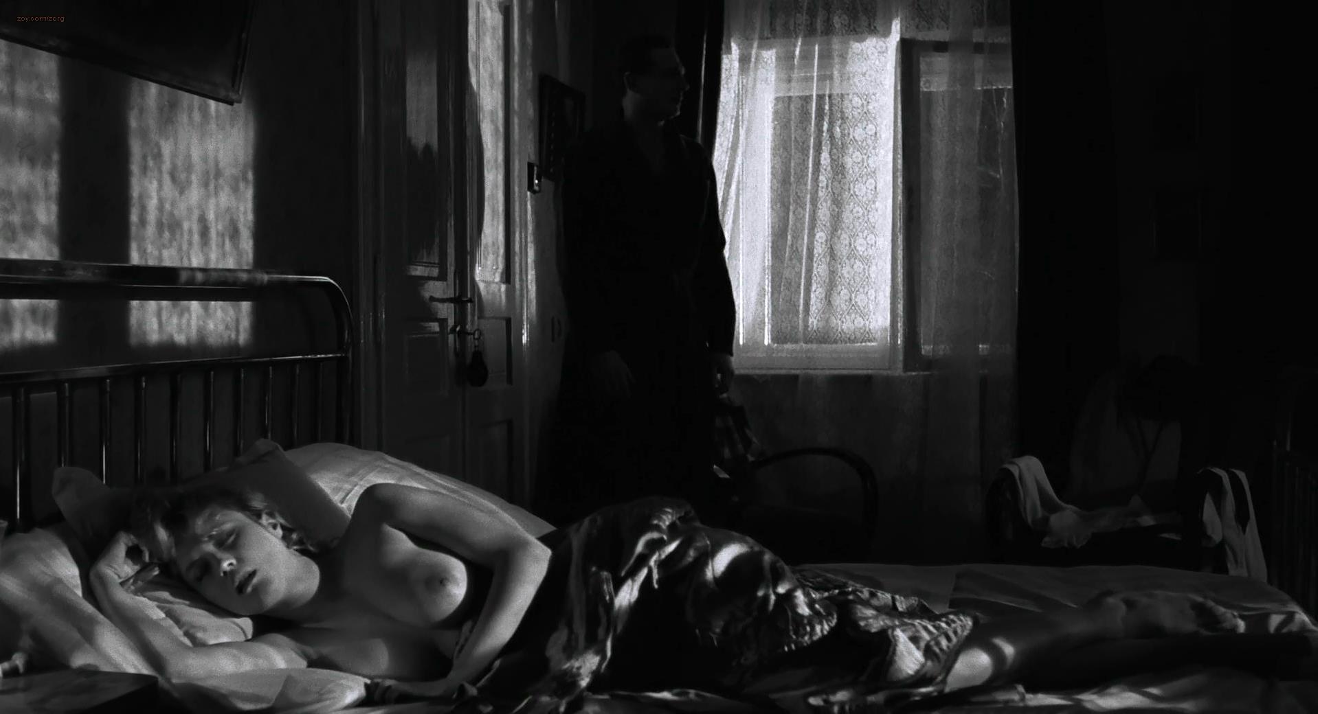 Nude Video Celebs Embeth Davidtz Nude Schindlers List 1993