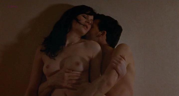 Annabelle Hettmann nude - Le sentiment de la chair (2010)