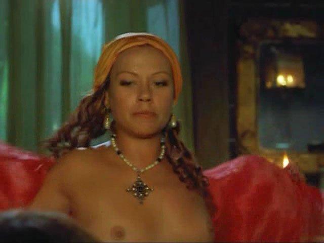 Jennifer Nitsch nude - Caraibi s01e02 (1999)