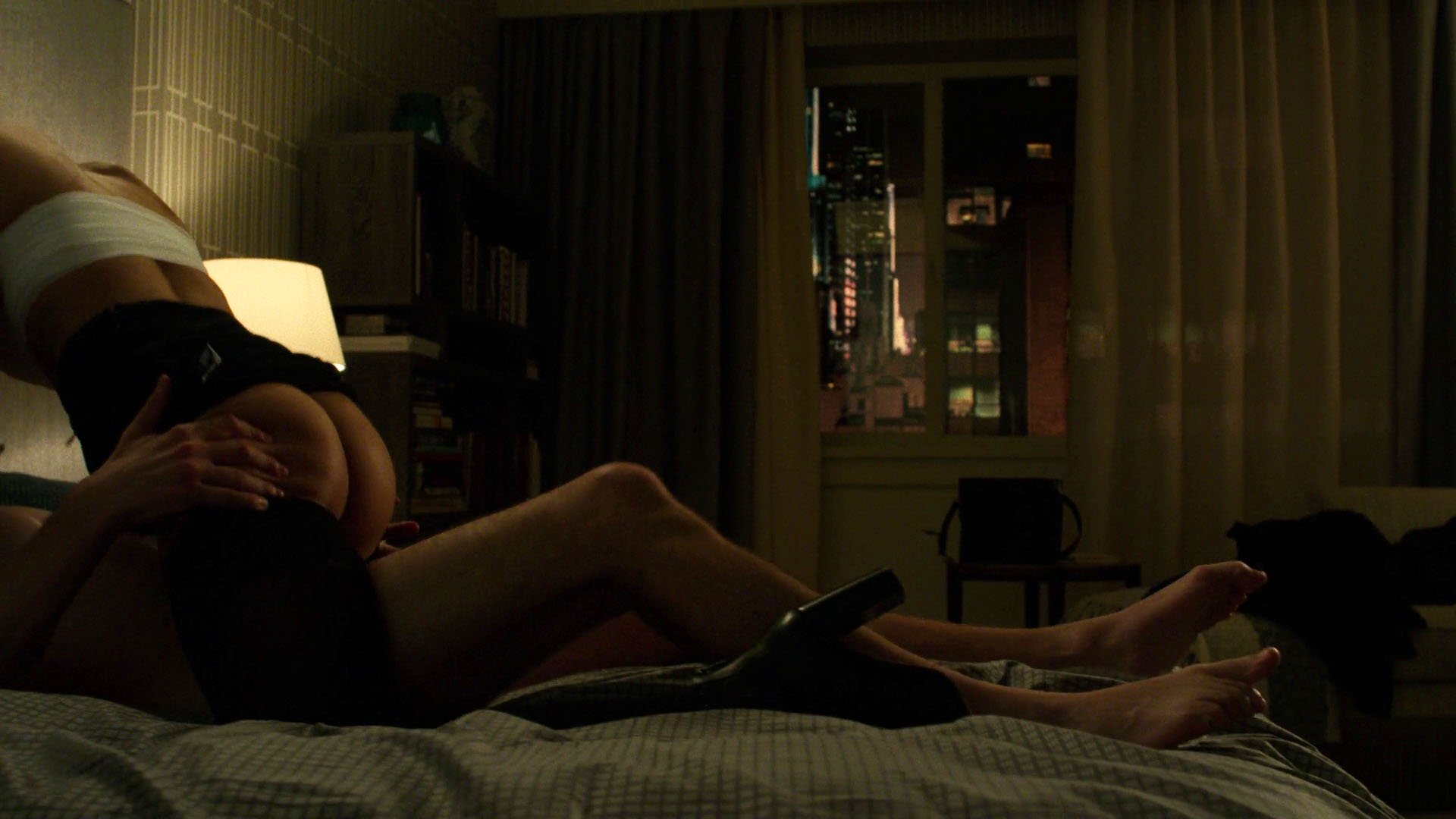 Amber Rose Revah nude - The Punisher s01e05 (2017)
