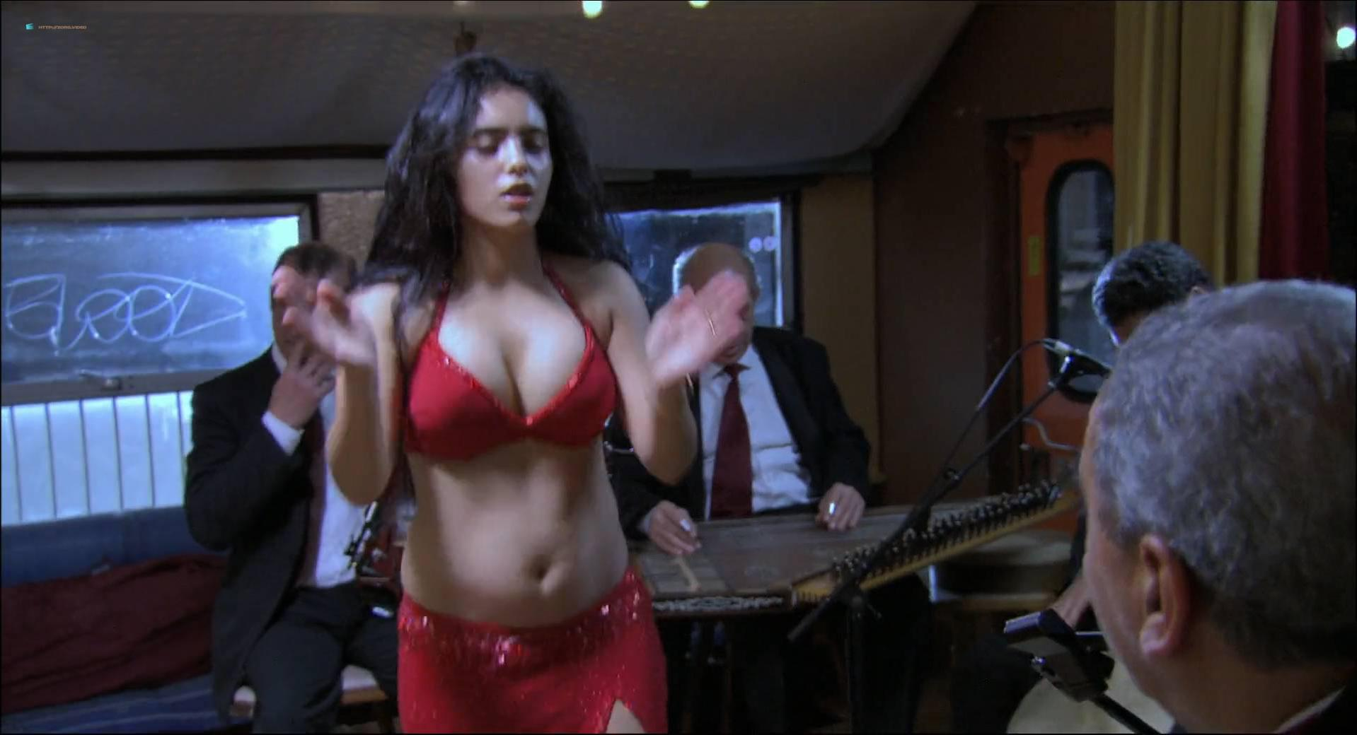 Hafsia Herzi sexy - La graine et le mulet (2007)