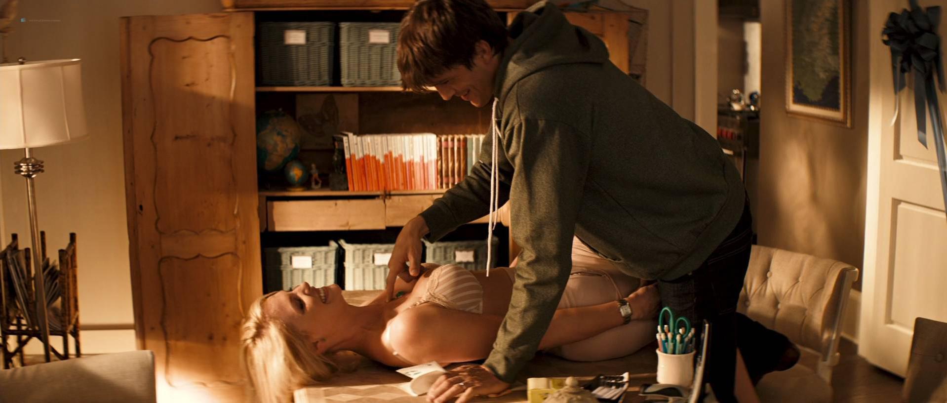 Katherine Heigl sexy - Killers (2010)