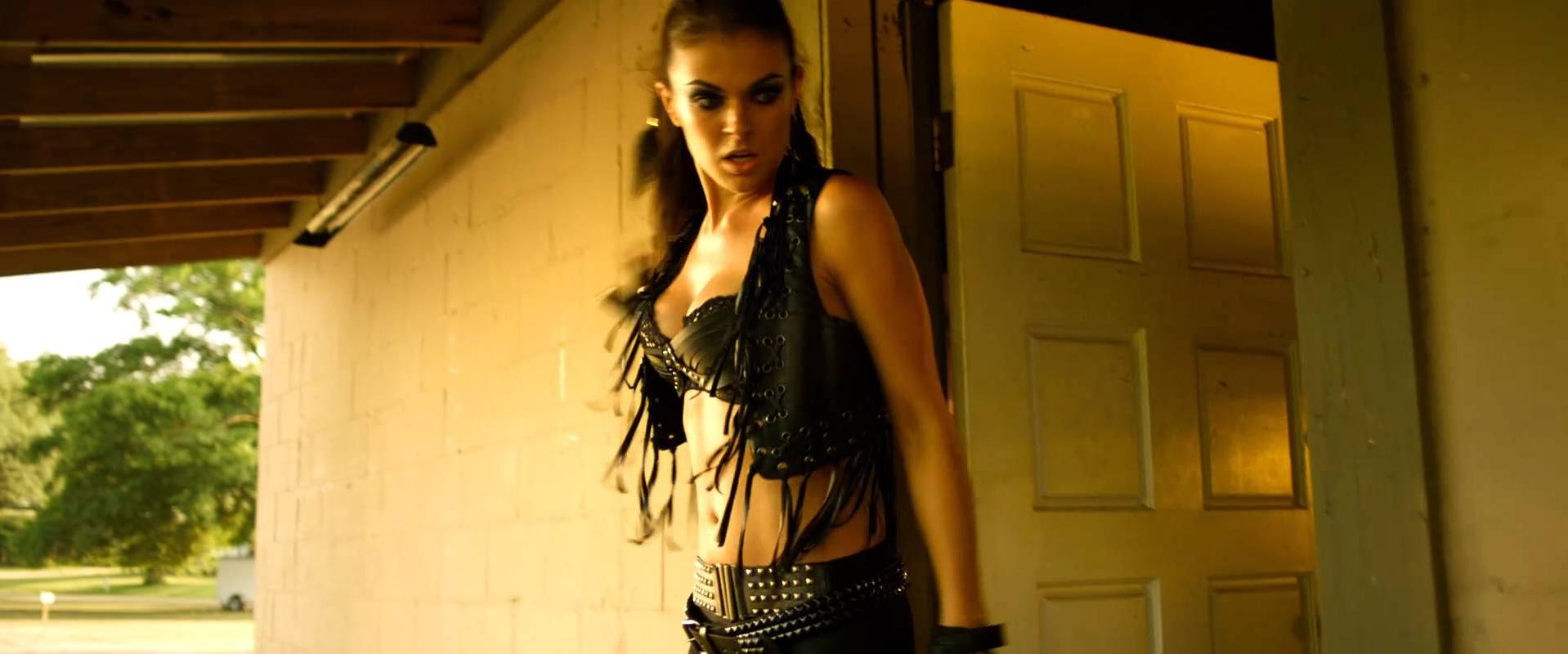 Serinda Swan sexy, Zoe Bell nude, Agnes Bruckner sexy - The Baytown Outlaws (2012)