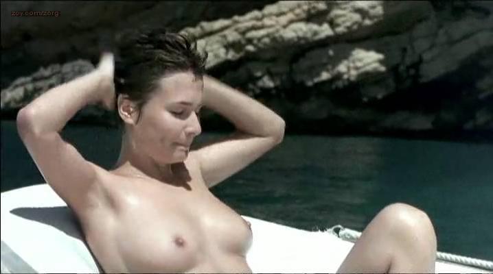 Adriana Dominguez nude - El sueno de Ibiza (2002)