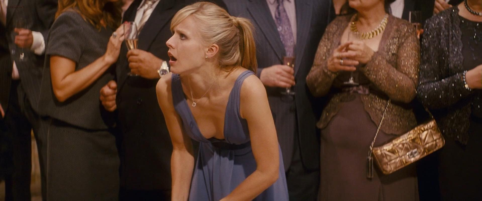 Kristen Bell sexy - When In Rome (2010)