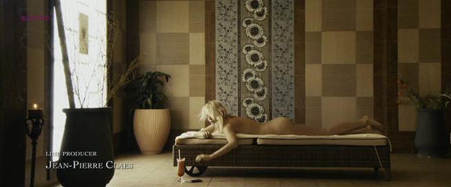Hanna Verboom nude - Me And Mr. Jones (2011)