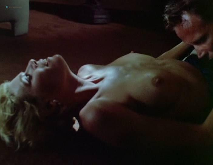 Kelly McGillis nude - Cat Chaser (1989)