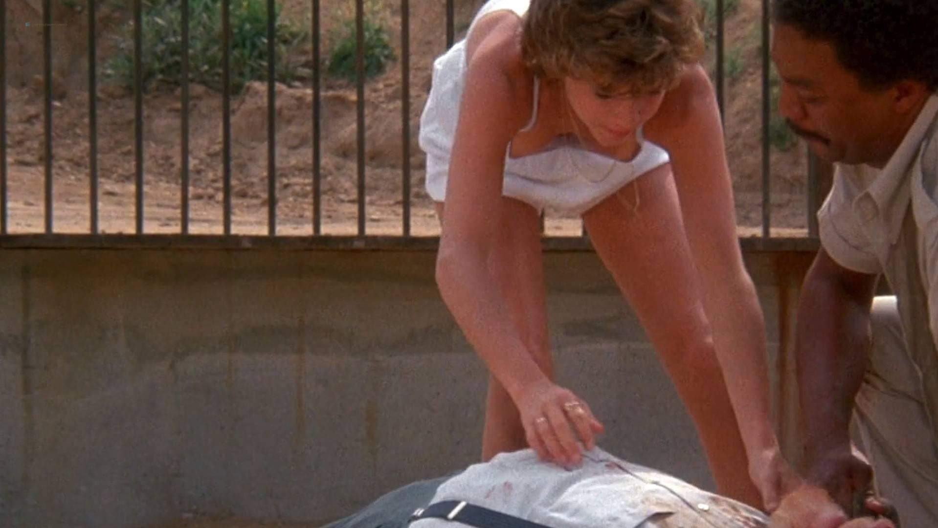 Kristy McNichol sexy - White Dog (1982)