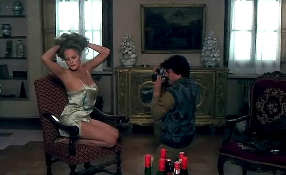 Sylvia Kristel nude, Ursula Andress sexy, Laura Antonelli sexy - Letti Selvaggii (1979)