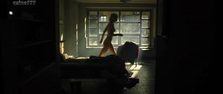 Mackenzie Davis nude - Blade Runner 2049 (2017)