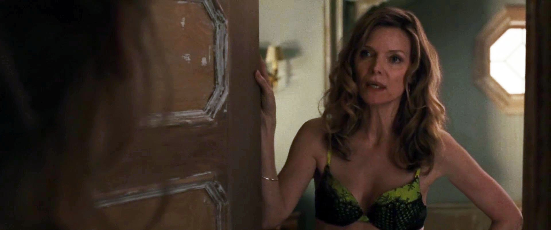Nude Video Celebs  Michelle Pfeiffer Sexy - Mother 2017-8168