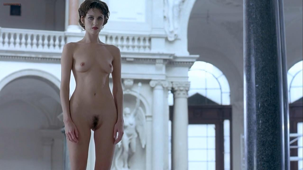 Susie Bick nude - Flirt (1995)