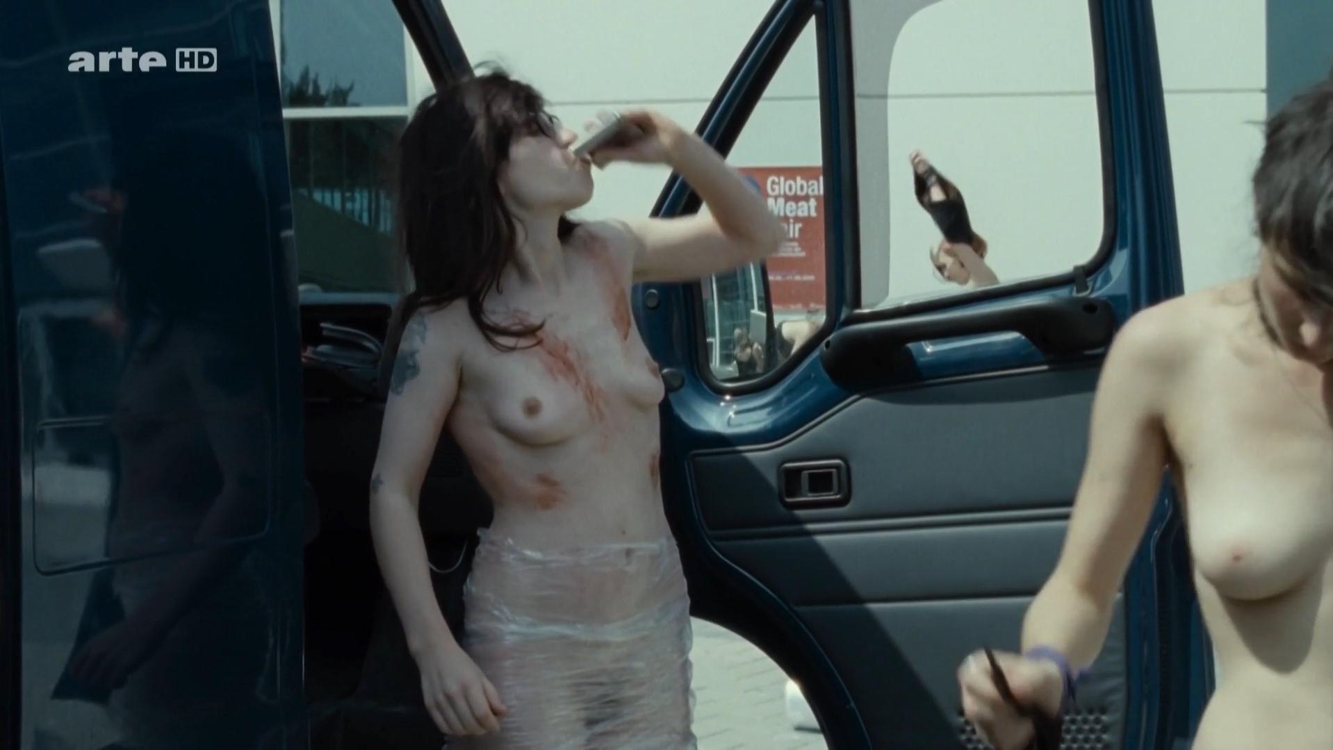 Julia Hummer nude, Eva Lobau nude, Jasna Fritzi Bauer nude - Im Alter von Ellen (2010)