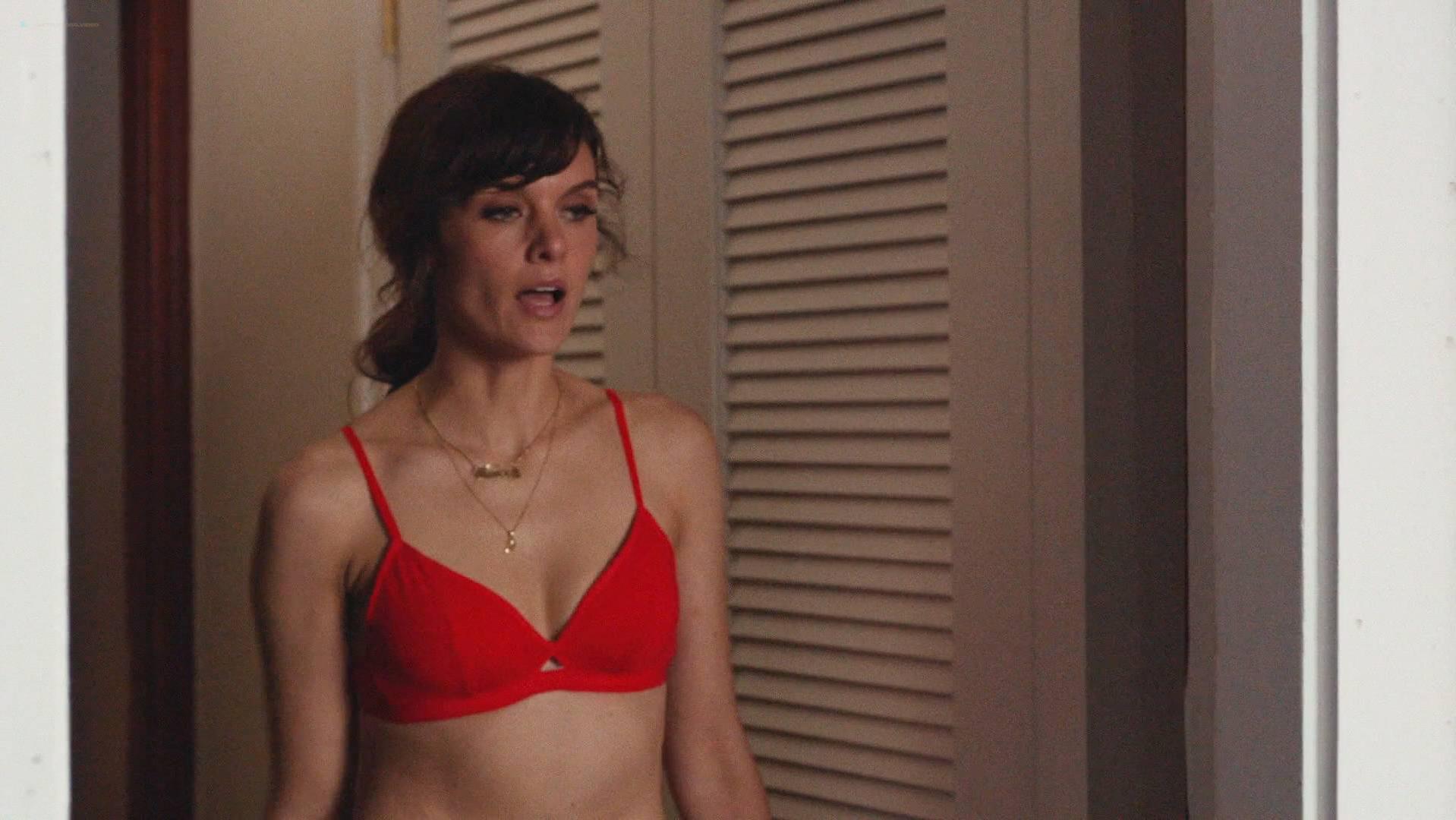 Frankie Shaw sexy, Raven Goodwin sexy - Smilf s01e05 (2017)