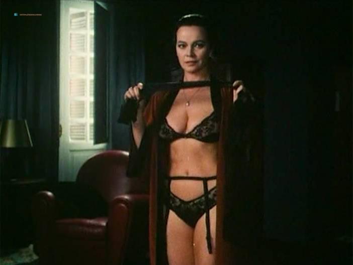 Blanca Marsillach nude, Cristina Marsillach nude, Laura Antonelli sexy - La gabbia (1985)