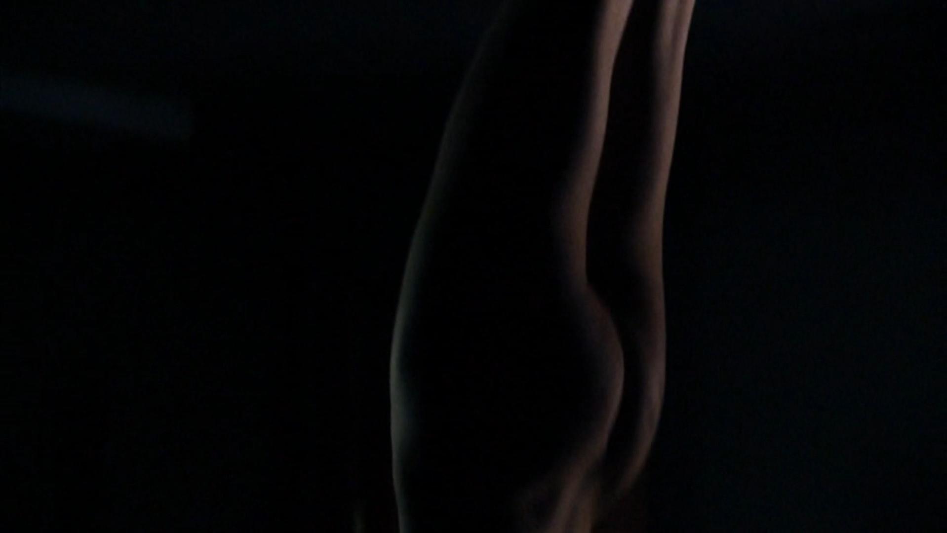 Sylvie Testud nude - Stupeur et tremblements (2003)