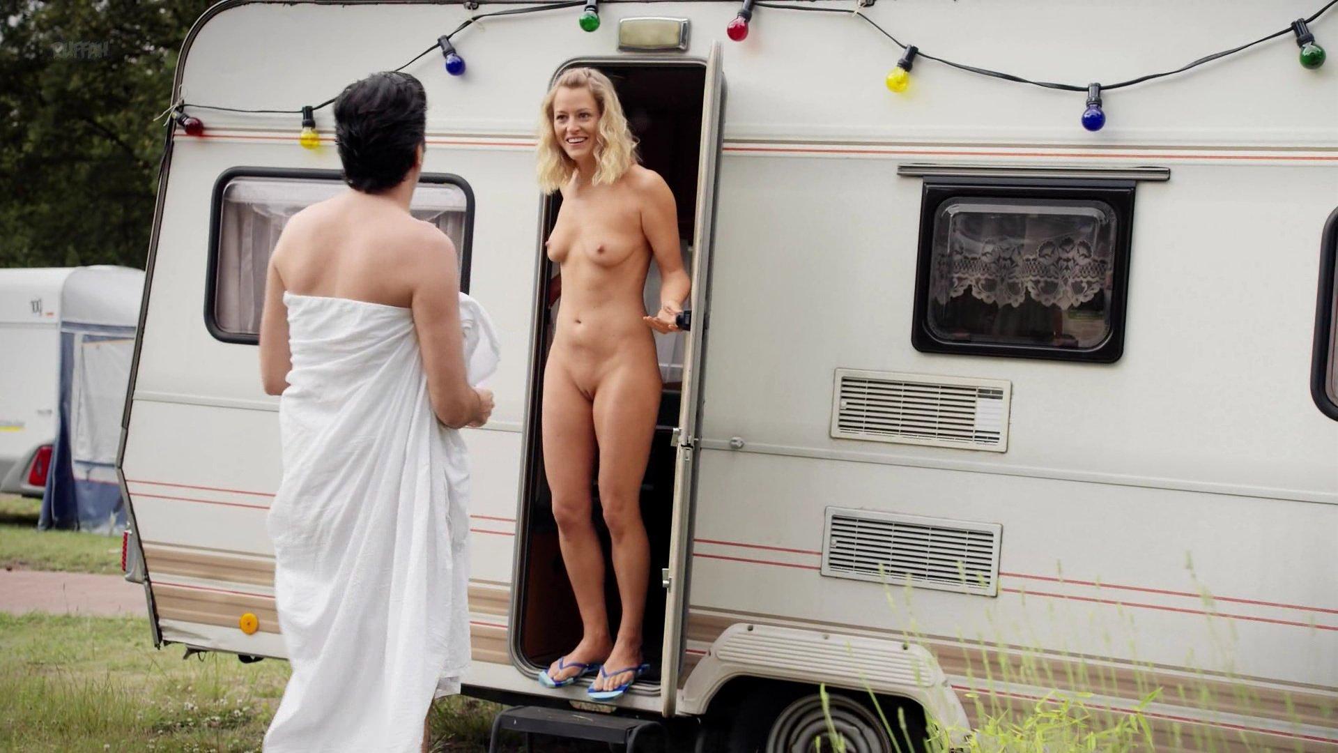 Birge Schade nude, Antje Koch nude - Pastewka s08e02 (2018)