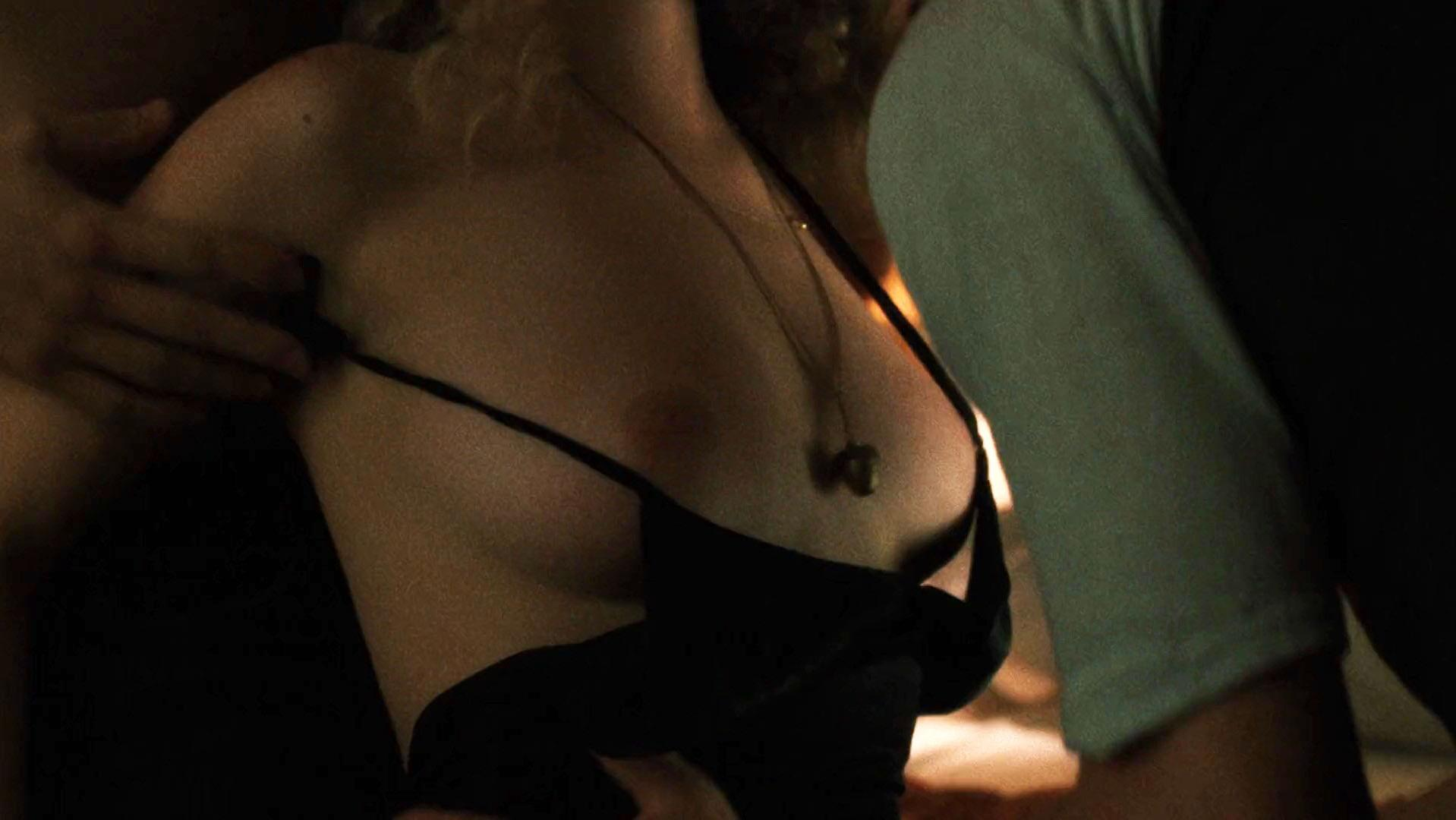 Watch Juno Temple Nude Sex Scenes From One Percent More Humid video