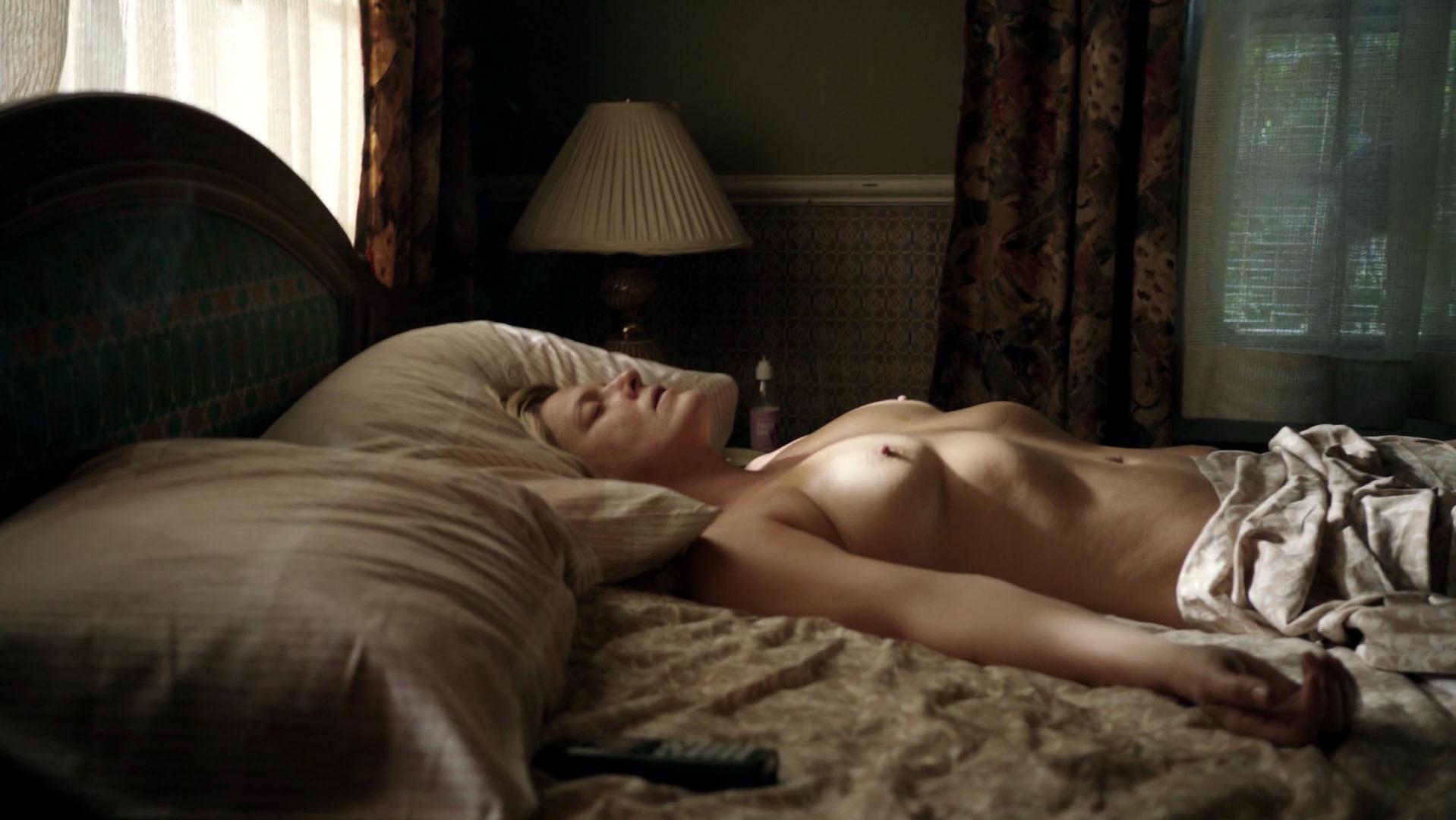 Molly Price nude - Shameless s02e02-03 (2012)