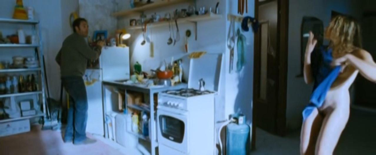 Micaela Ramazzotti nude - Tutta la vita davanti (2008)