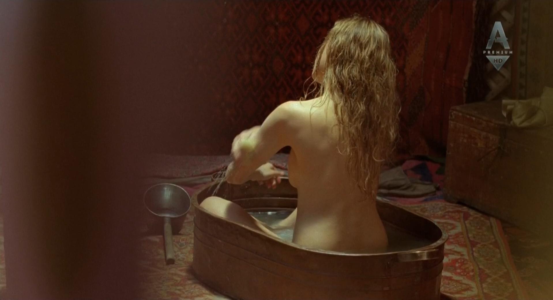 Marie de Villepin nude - Bajkonur (2011)