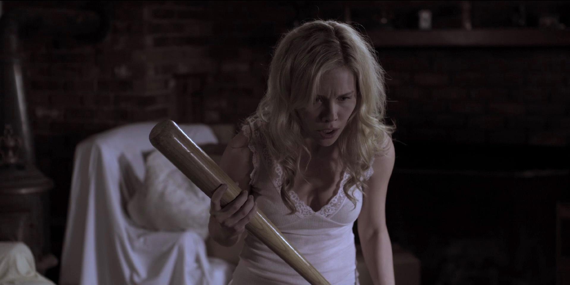Amanda Baker sexy - Lizzie (2012)