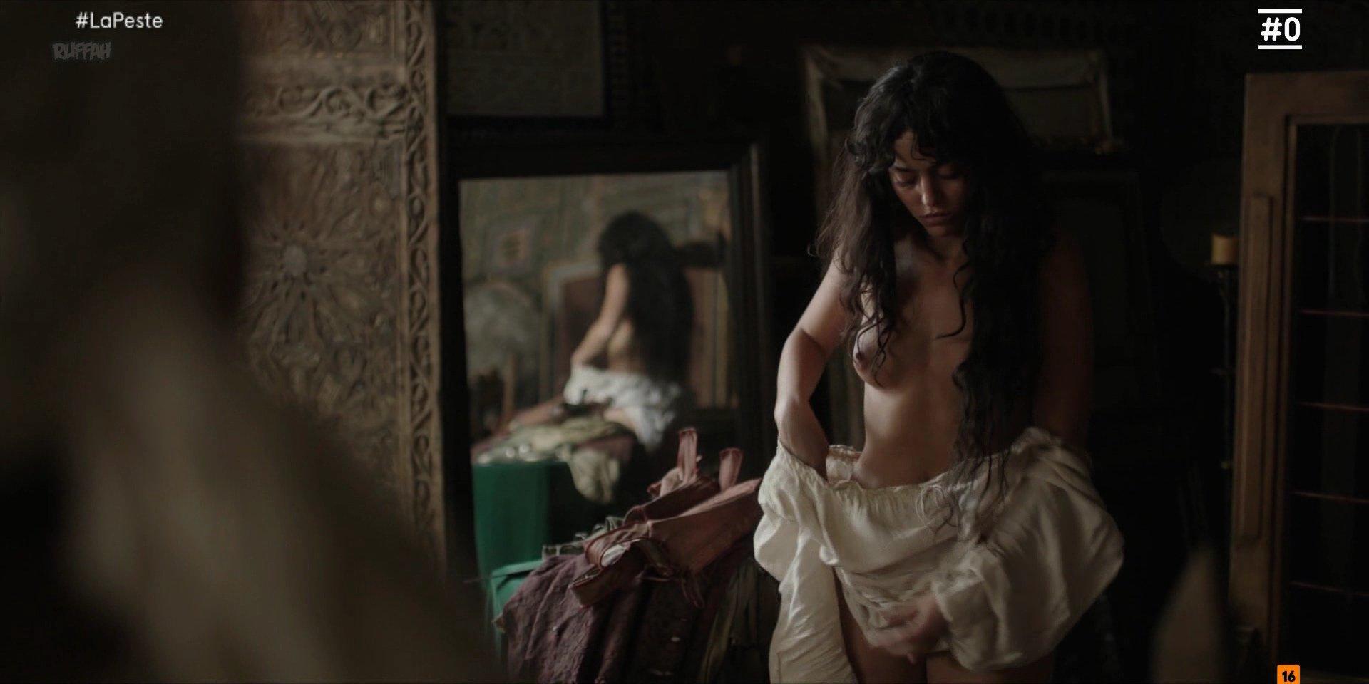 Cecilia Gómez nude- La Peste s01e06 (2018)
