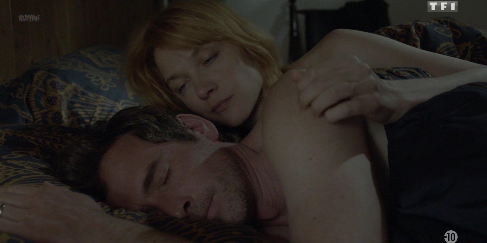 Odile Vuillemin nude - Les Innocents s01e01 (2018)