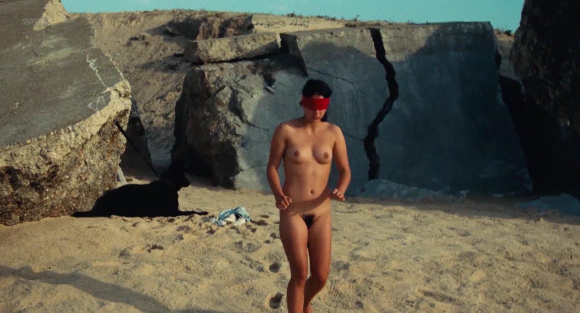 Noee Abita nude - Ava (2017)