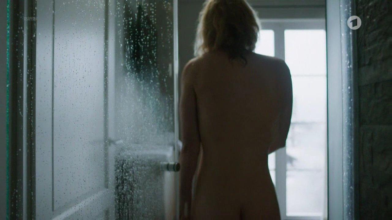 Cecilia Diesch nude - Harter Brocken 2 Die Kronzeugin (2017)