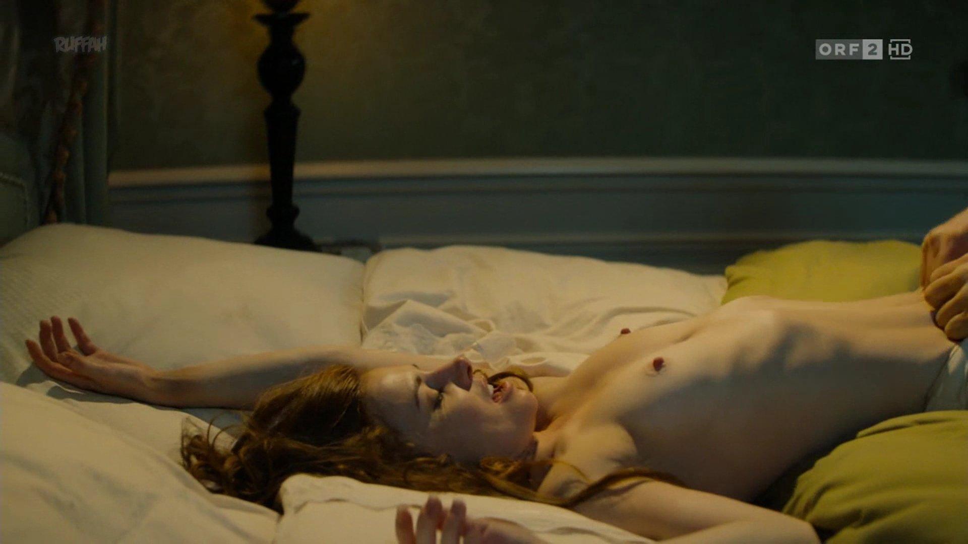 Josefine Preub nude - Das Sacher In Bester Gesellschaft s01e02 (2017)