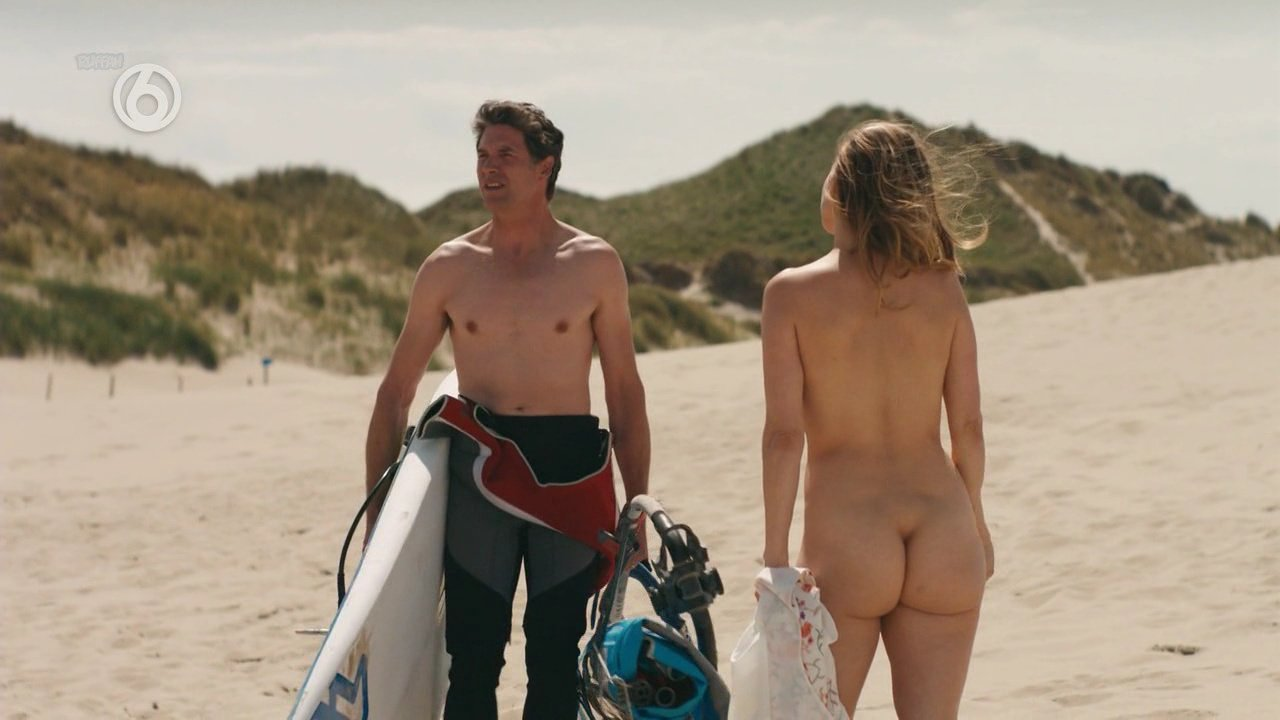 Tamara Brinkman nude - Zomer In Zeeland s01e01 (2018)