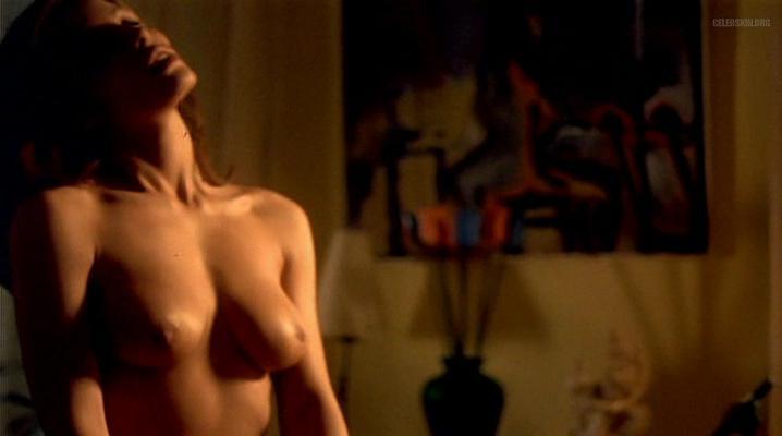 Ana Alvarez nude - Cha-Cha-Cha (1998)