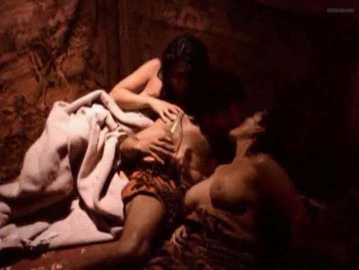 Cristina Michaus nude - El Tigre de Santa Julia (2002)