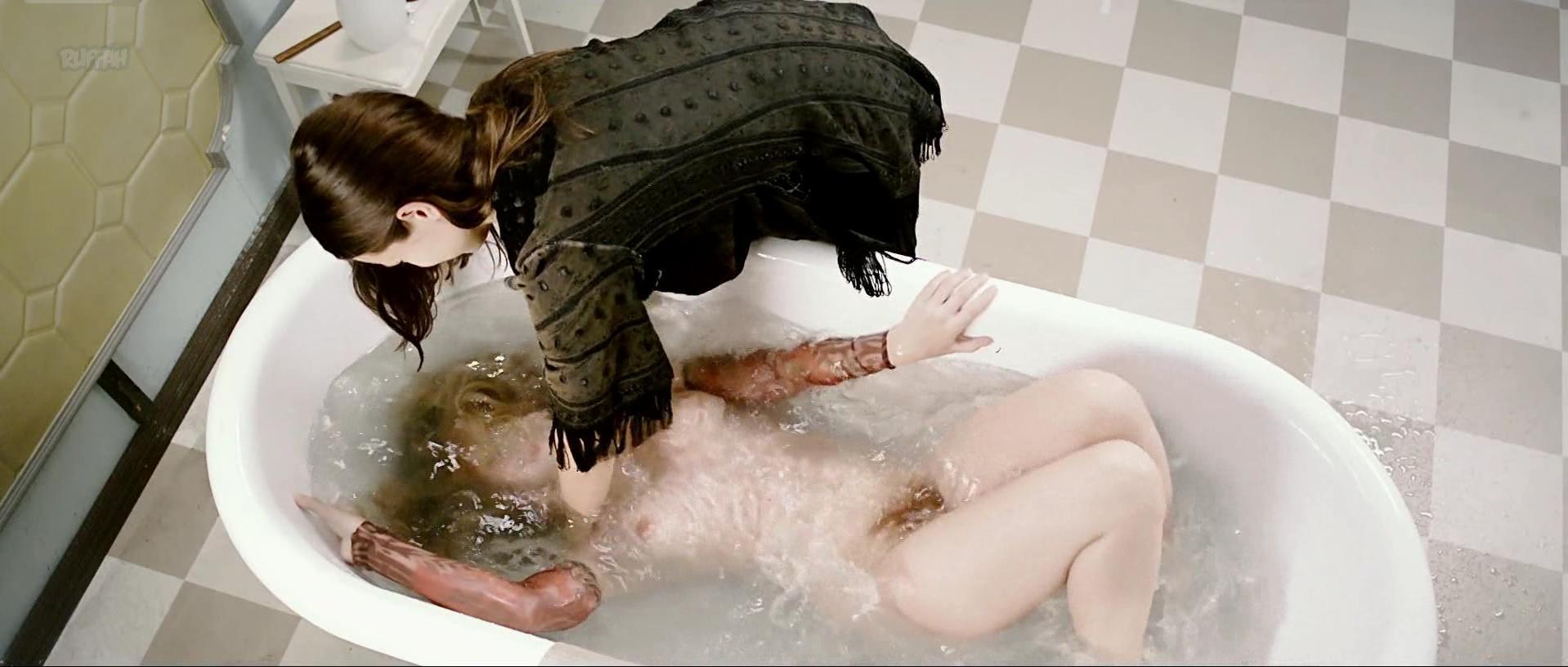 Milla-Mari Pylkkanen nude - Seitsemantoista s01e03 (2017)