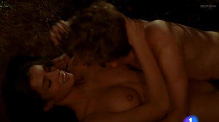 Ana Alvarez nude - Tierno Verano de Lujurias y Azoteas (1993)