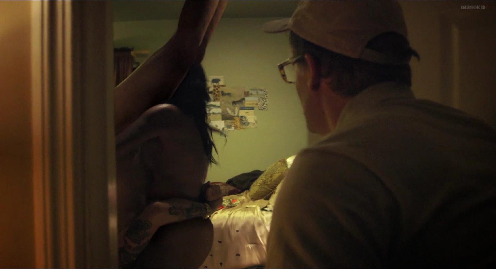 Shondrella Avery nude - Klovn Forever (2015)