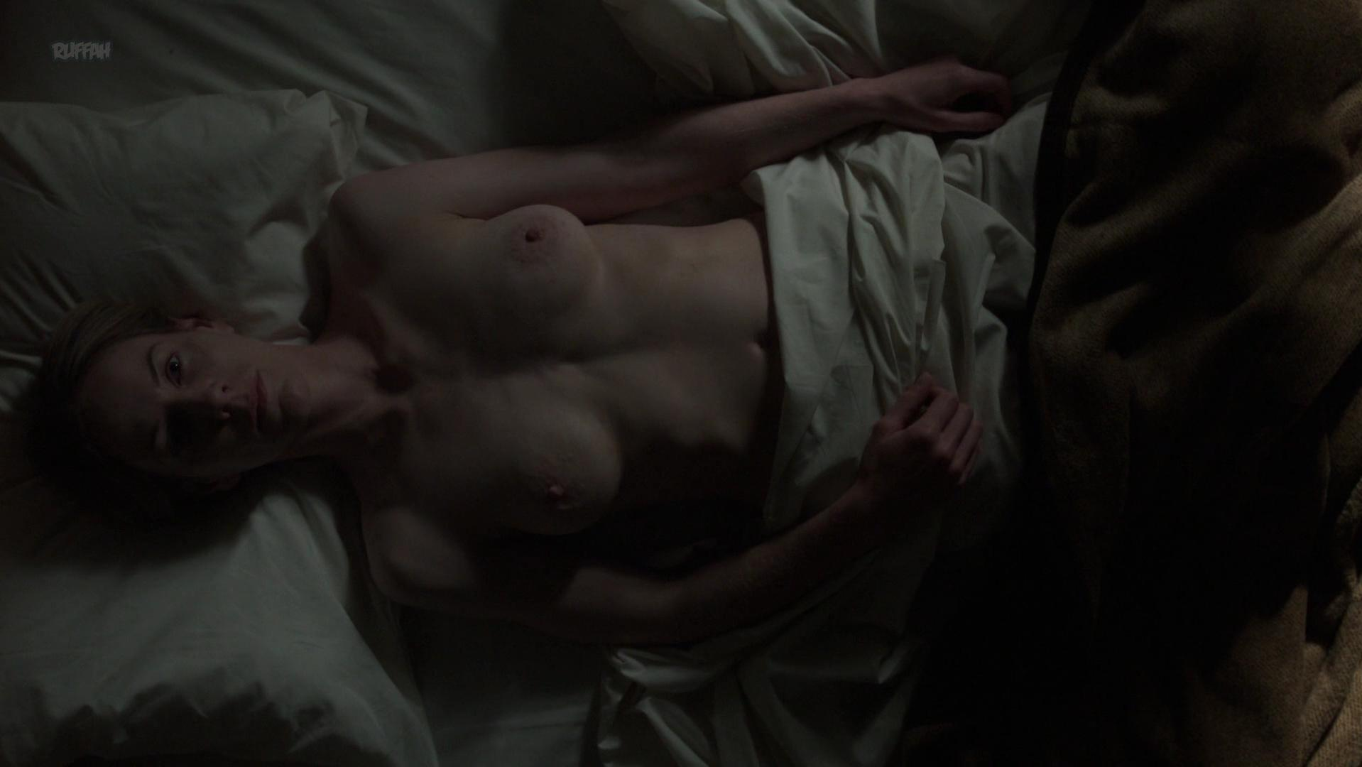 Jeany Spark nude - Collateral s01e03 (2018)