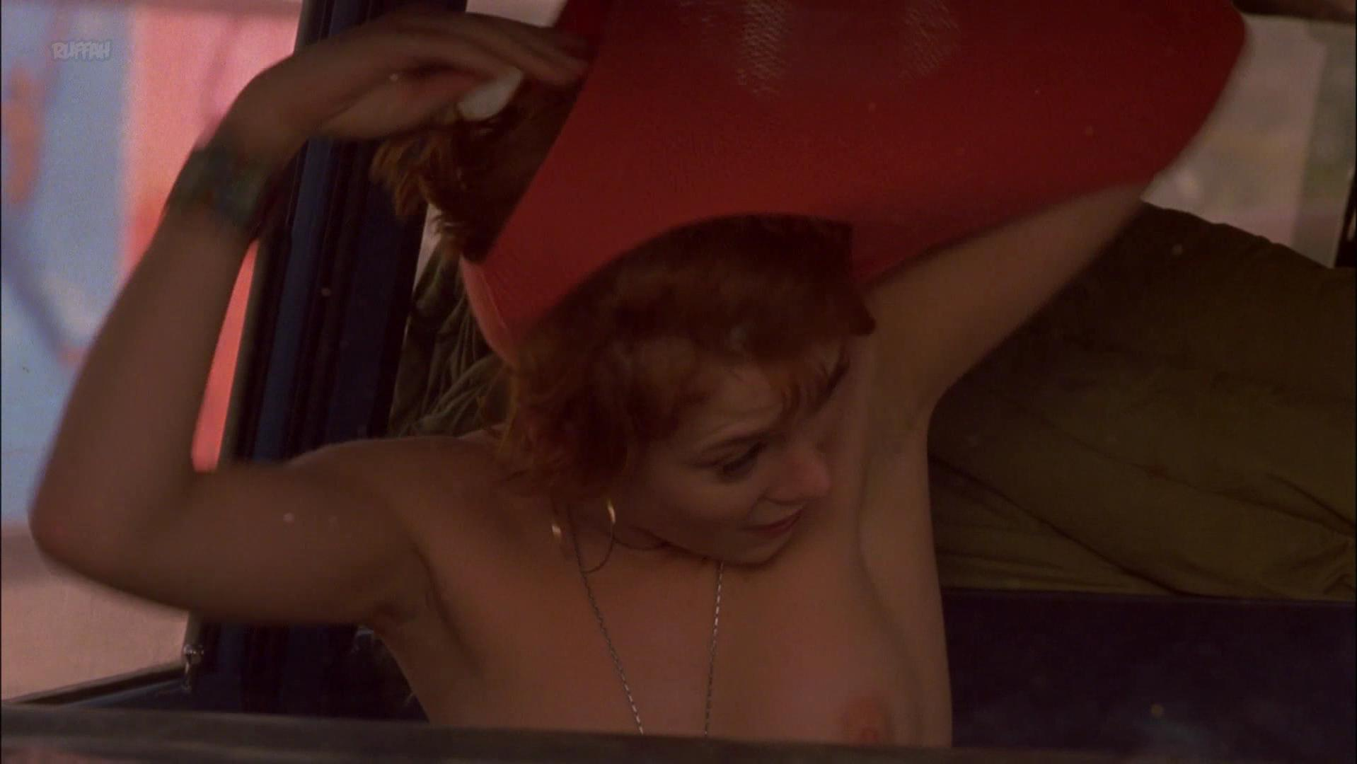 Anna Friel nude - Sunset Strip (2000)